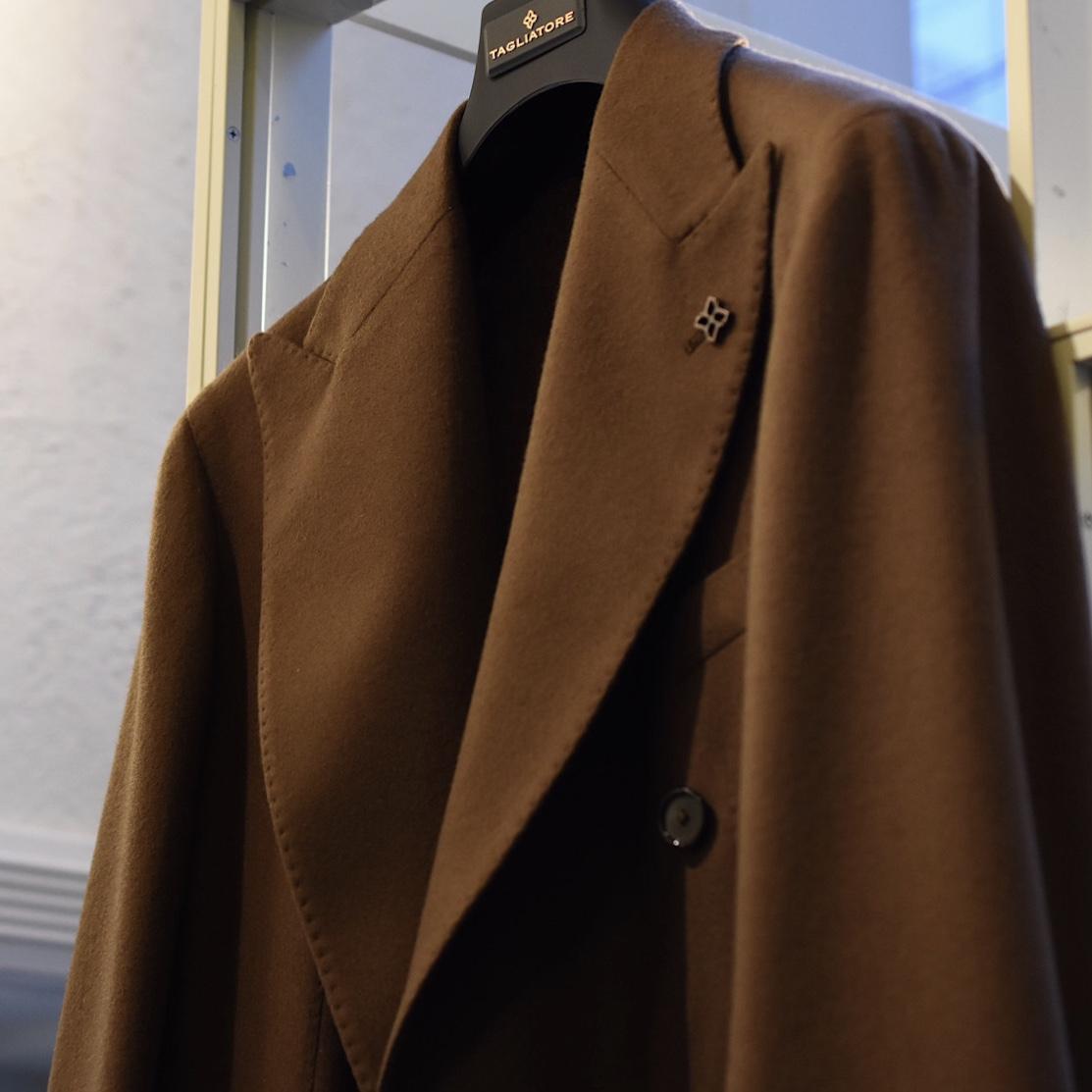 BARの雰囲気にマッチするジャケット