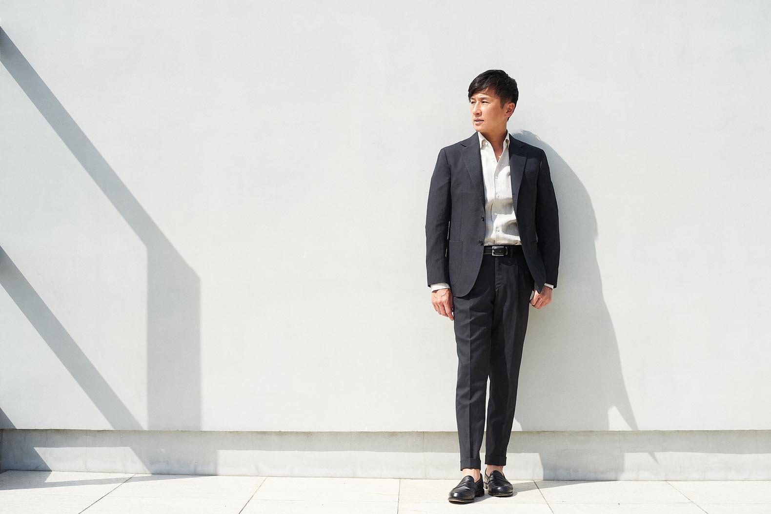 戸賀敬城、希望のスーツ