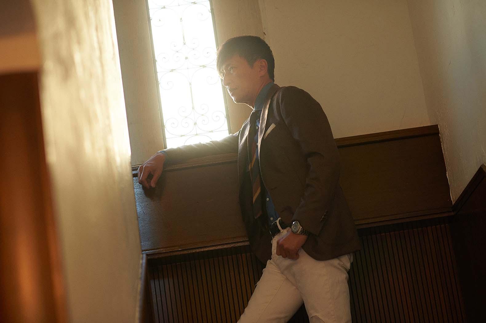 この冬、戸賀敬城が選んだ最高級カシミヤのブラウンジャケット
