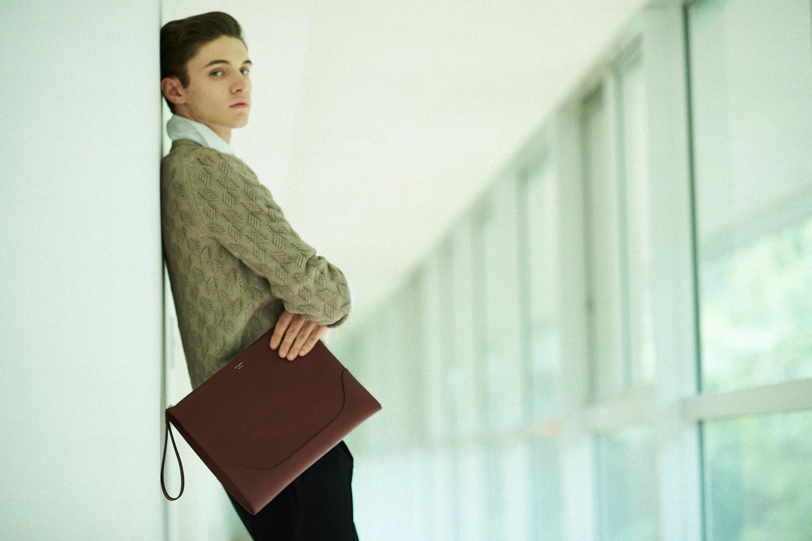PELLE MORBIDAの新作バッグは 男のアクセサリーだ!